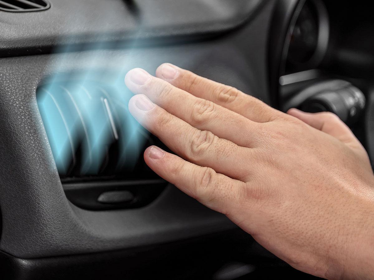 Személygépjárművek belső terének és légkondicionáló berendezésének Ózonkezeléses fertőtlenítése, Budapesten, helyszíni kiszállással