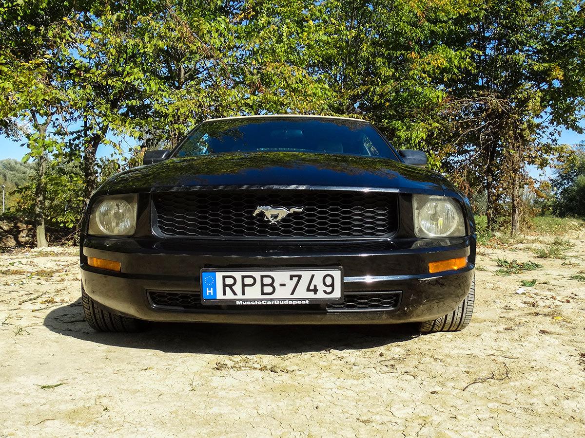 Városi (közúti) vezetés egy Mustang GT Cabrio 90 perc