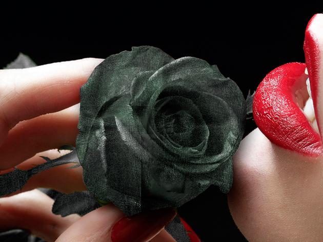 Lepd meg kedvesedet Nőnapon egy gyönyörű antikolt kovácsoltvas rózsával!