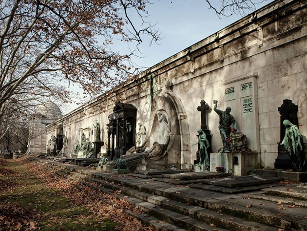 2020.07.11. Városnéző séták Budapesten - Európa legnagyobb szabadtéri szoborparkja - Fiumei Sírkert (Diák vagy Nyugdíjas jegy)