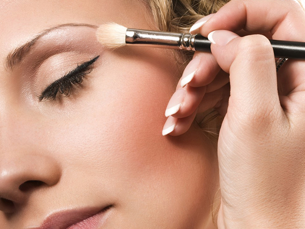 Női hajvágás, smink készítési tanácsadás és egy alkalmi smink készítés