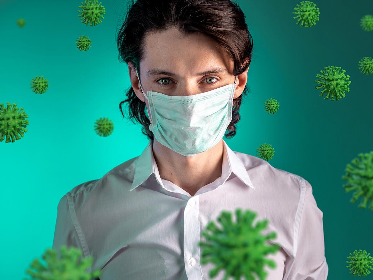 Orvosi szájmaszk influenza és koronavírus ellen - nagy hatékonyságú, 3 rétegű szűrés (50 darab/csomag)