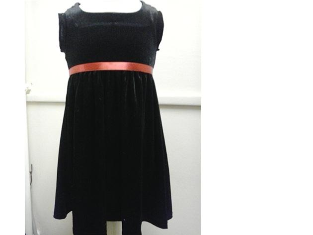 10000 Ft értékben válogathat Partnerünk kínálatában, vagy ezt az értéket beszámítja egy új ruha elkészítésének költségébe.