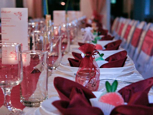 Esküvői dekoráció 50 főre