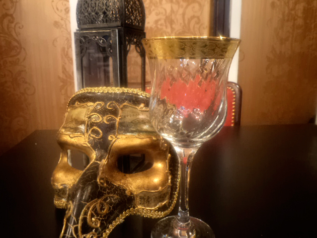 Muránói üvegpoharak (6 db aranyozott vörös boros)