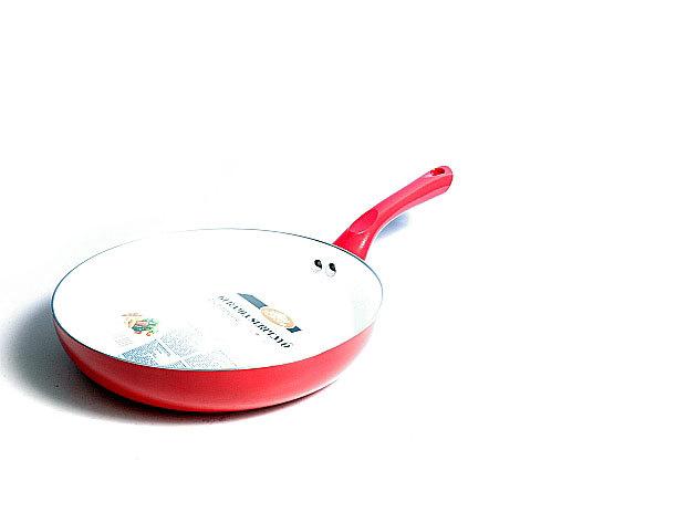 Kerámia serpenyő magas peremű 26 cm piros színben
