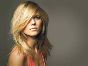 Női hajvágás, mosás, ózonbúrás kezelés