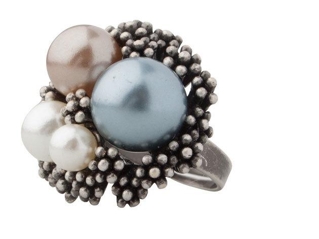 Pleus gyűrű (Antinio Miro)