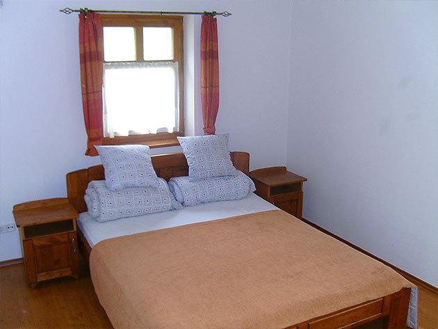 2 fő / 1 éj, franciaágyas, vagy 2 ágyas szobában (Vásárolj annyi kupont, ahány éjszakát ott szeretnél tölteni)