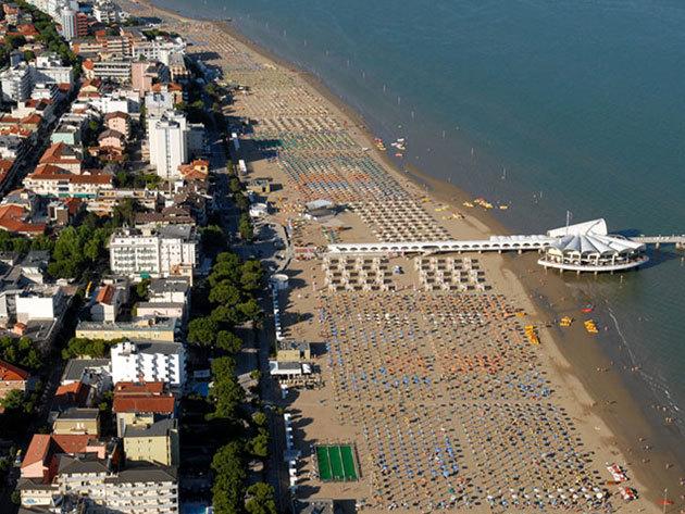 RÉSZLETFIZETÉS! Nyaralás az olasz Adrián, Lignanoban 2014. június 26 - július 5.- buszos utazással, apartman szállással, 1 fő részére