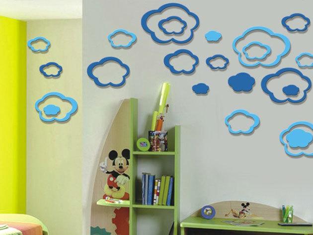 Kék felhők 3D hatású falmatrica szett (11 db világoskék és 11 db sötétebb kék felhőt tartalmaz. A legnagyobb átmérője 28, a legkisebb átmérője 13 cm)