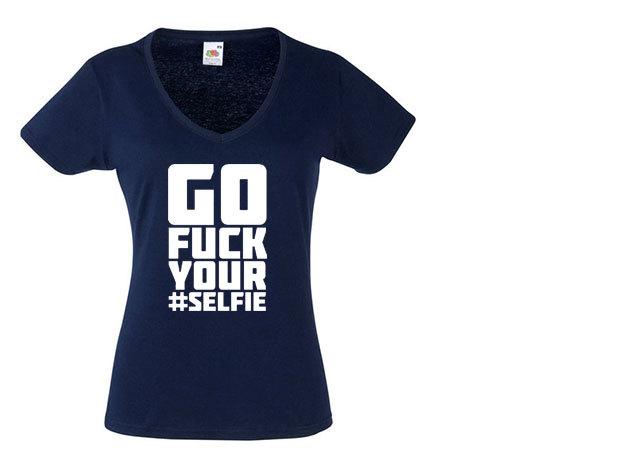 'Fuck your selfie' - V-nyakú női póló
