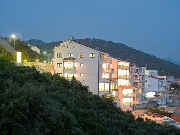 08.20-08.24.- Tengerparti nyaralás Boszniában, Hotel Adria***, Neum - 5 nap / 4 éjszaka szállás 1 főre, félpanziós ellátással