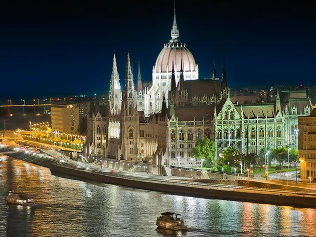 Sétahajózás a legszebb budapesti Duna-szakaszon - egyórás program idegenvezetővel, október 3-án