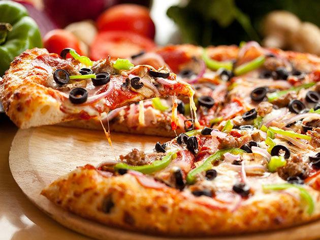 50 cm-es Családi Pizza kiszállítással, választható feltéttel + nagy üdítő