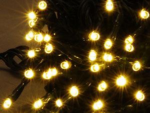 100 LED-es karácsonyfa füzér / MELEG FEHÉR