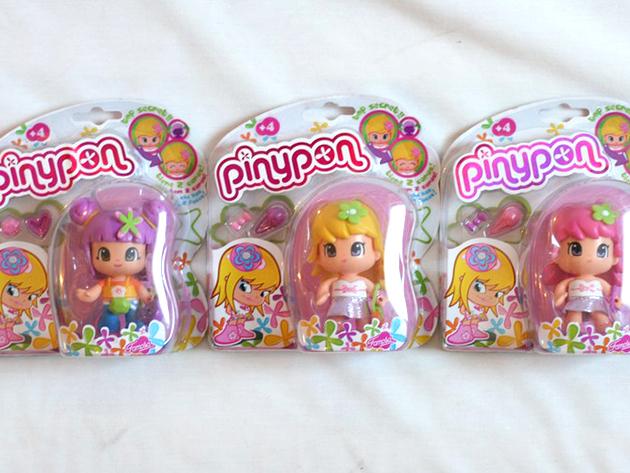 PINYPON baba - Cserélhető hajdísszel (Választható színű)