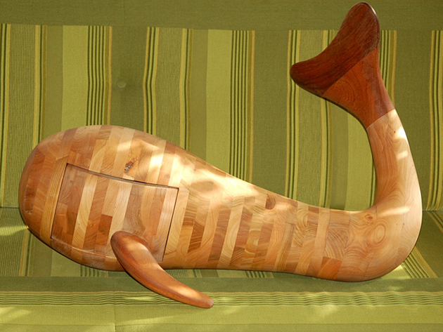 Terep bálna - fa szobor