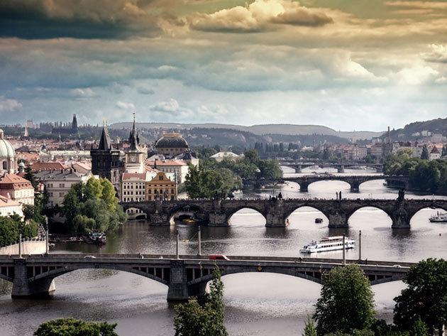 Húsvét Prágában - autóbuszos utazás április 4-6-ig, 2 éjszaka szállással, büféreggelivel és  idegenvezetéssel (1 fő részére)