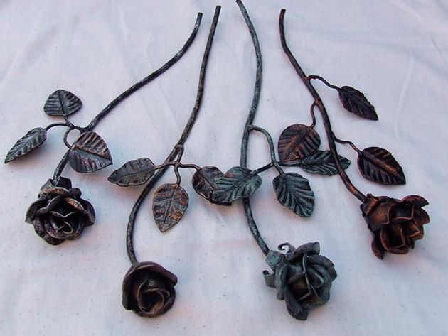 Antikolt kovácsoltvas rózsa