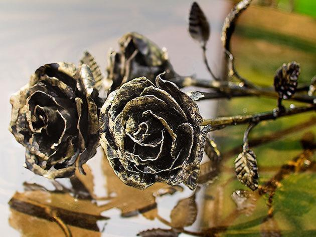 Antikolt kovácsoltvas rózsa - szebben beszél, mint a legszerelmesebb levél